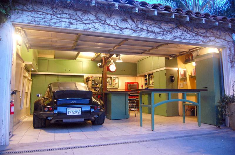 Beautiful home shop built in a small garage subaru for Small two car garage